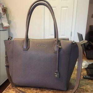 Michael kors large shoulder bag/ Crossbody